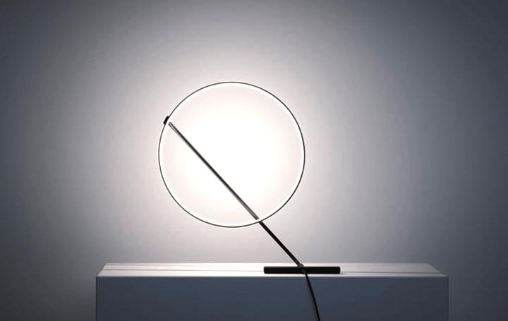 空中に浮かぶ輝くリング「POISE」 照明デザイナーRobert Dabiが設計するテーブルランプ