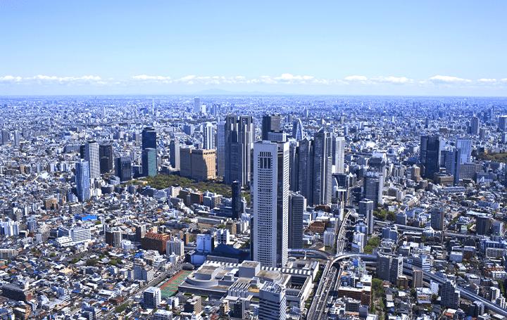 5Gアンテナ搭載「スマートポール」の試行設置が実施 東京・西新宿エリアに先行検証