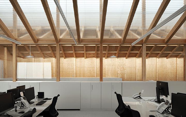 アリイイリエアーキテクツが手がけた 倉庫とオフィスを融合した空間「清光社 埼玉支店」