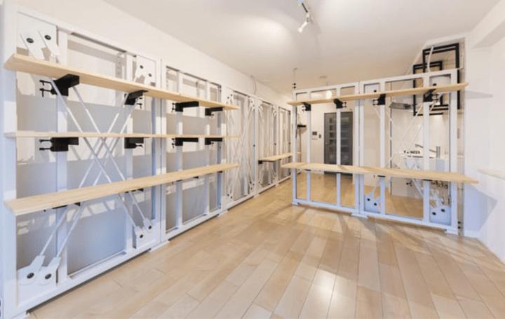 住宅プロデュースLDKがDAYTONA HOUSEと共同開発 間仕切りや壁面収納となるパネル「X-FRAME」