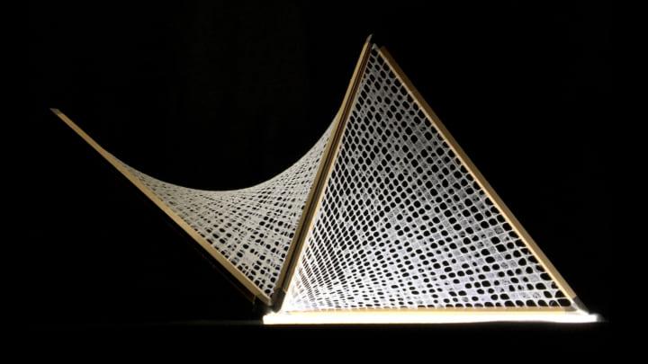 和紙デザイナーの佐藤友佳理が挑む、工芸とデジタルファブリケーションを融合させたものづくり