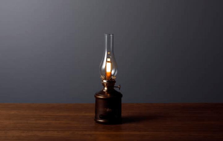現代技術で1900年代のアラジンオイルランプを 「Aladdin ランタンスピーカー」に進化させる