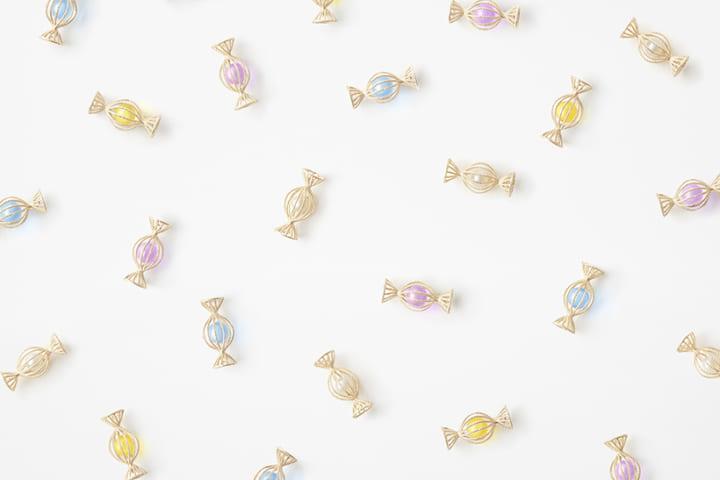 中国の伝統の細工技術フィリグリーを活用して nendoがアクセサリー「candy-wrapper collection」を手がけた