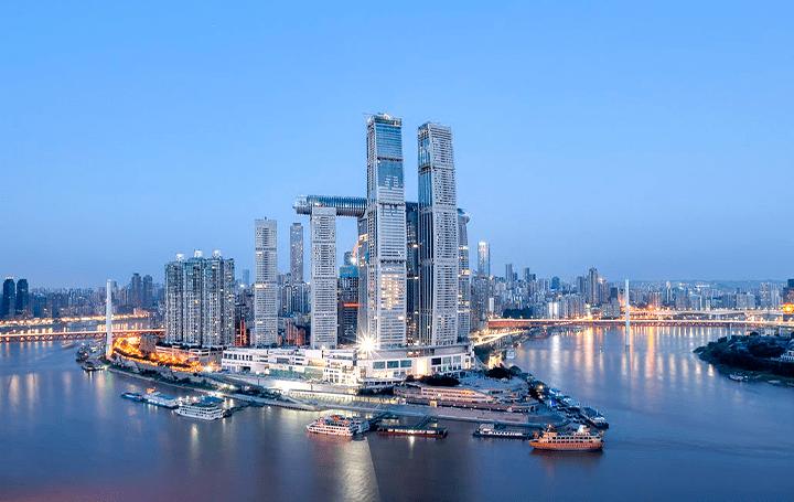 中国・重慶に建設中のタワー「Raffles City Chongqing」 インパクトのあるカープの形状は帆船をイメージした