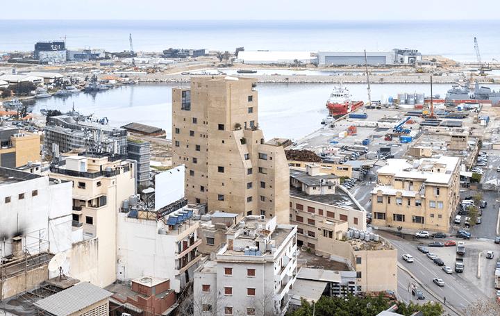 建築という形で、生と死、美しさと野蛮さを表現 レバノン出身の建築家リナ・ゴットメが手がけた建築「Ston…