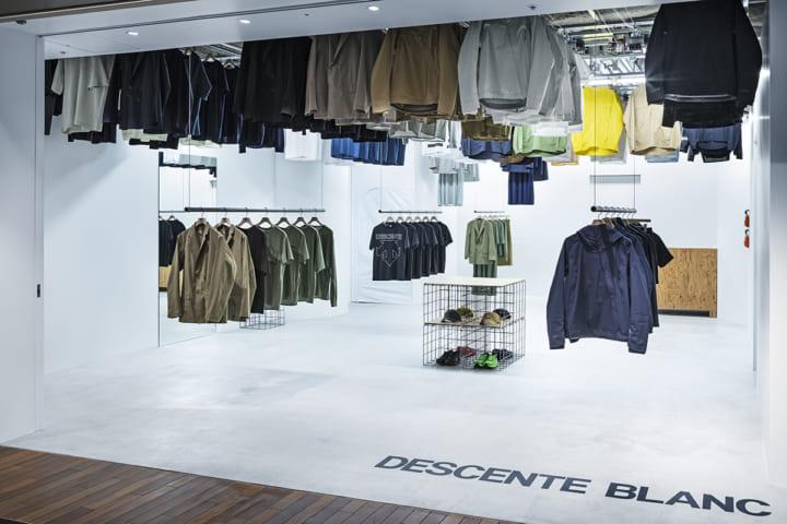 スキーマ建築計画が店舗設計を手がけた 高密度に陳列する「DESCENTE BLANC」六本木店
