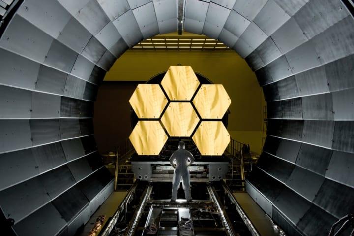 NASA、24時間・15日間連続であの折り畳む 「ジェイムズ・ウェッブ宇宙望遠鏡」の組み立て検証実験を行う