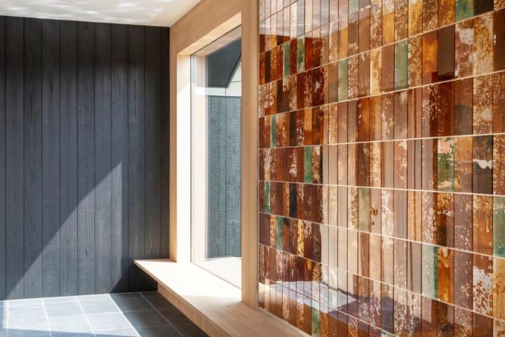 錆にフォーカスした実験的素材「Rust Harvest」の新作が公開 抽象画のようなグラフィカルな模様に注目
