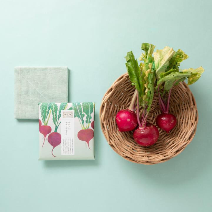 廃棄予定の食べ物で染めた「花ふきん」を中川政七商店が発売