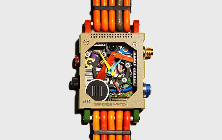 英ファッションブランドVollebakから 電子廃棄物のリサイクルでできた「Garbage Watch」登場