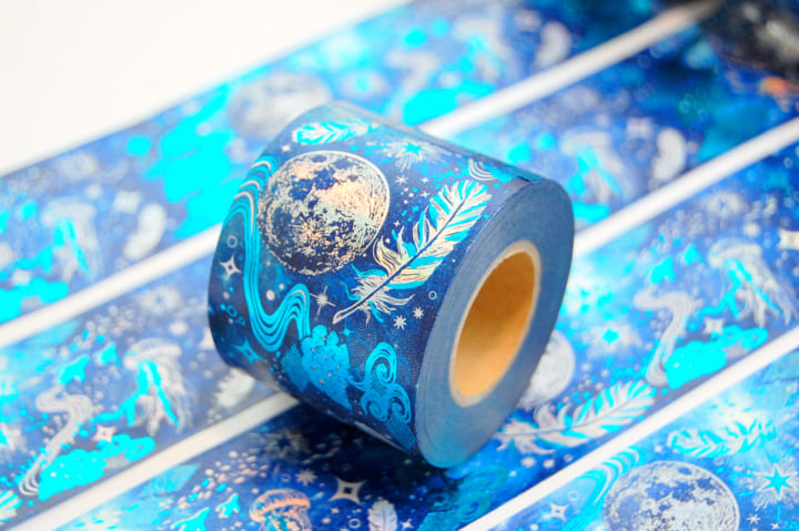 「星海」のようなブール色とデザインを実現 印刷工房の箔押し加工によるマスキングテープ