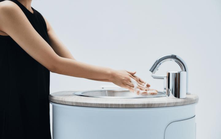 水インフラがなくても手洗いができる 水循環型ポータブル手洗い機「WOSH」が登場