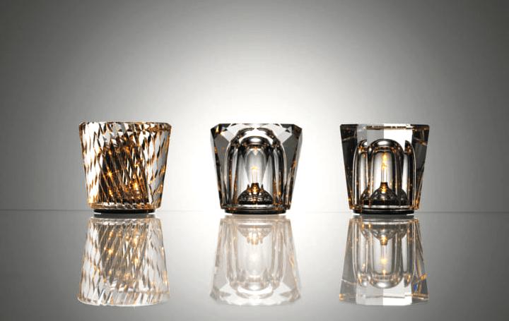 ambientecの丁寧にカットされたクリスタル照明「Xtal」 360度美しく広がる幻想的な光を実現