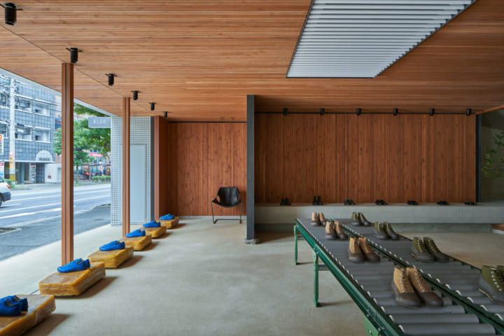 TORU SHIMOKAWA architectsが店舗内装を手がけた 福岡発ブランド「ALSO MOONSTAR」の旗艦店