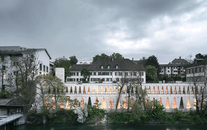 スイス・チューリッヒの劇場「Tanzhaus Zürich」 建築で川沿いの遊歩道を再活性化