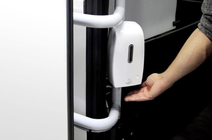 長距離バスの感染リスクを最小限に抑える 「ダイムラー」の新たな対策装置を公開
