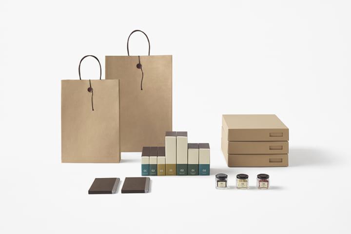 書斎をモチーフに、nendoが 「山の上ホテル」のオリジナルスイーツのパッケージをデザイン