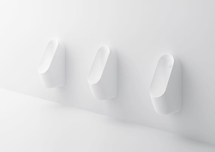 原研哉とLIXILが共同で 清掃性を実現する公共用トイレをデザイン