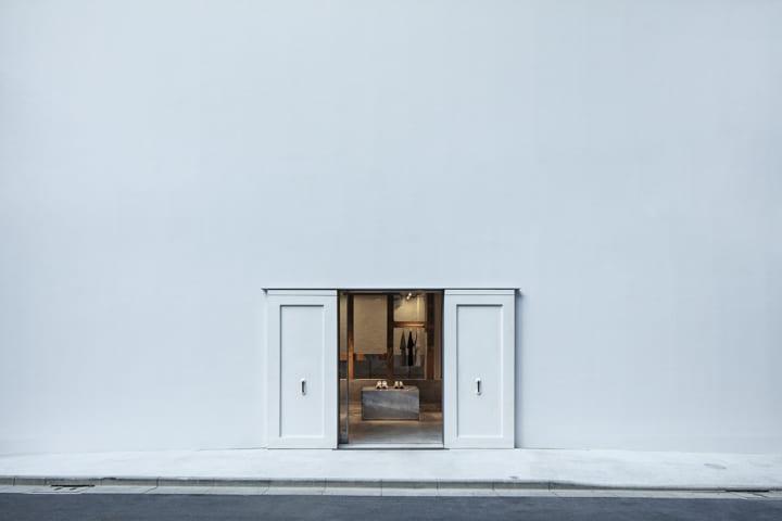 川越の古い蔵を再構築 スキーマ建築計画による「T-HOUSE New Balance」