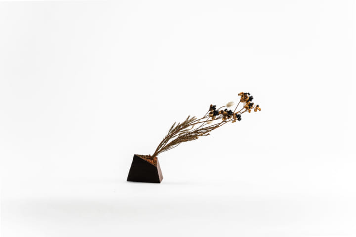 SEIKI DESIGN STUDIO、ドライフラワーのための 花器「KOVA」をDESIGNART TOKYO 2020にて披露