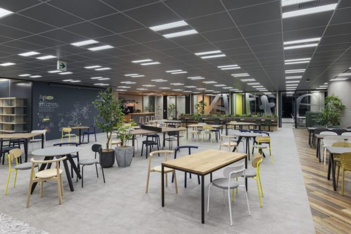 凸版印刷、新オフィス「Atte」をオープン 「直接に会う価値」をコンセプトに