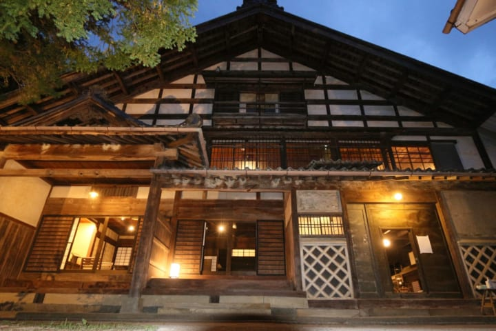 歴史的建造物である長野・松本藩主の本陣を 民泊施設として改修した「Satoyama villa 本陣」