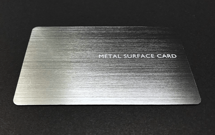 凸版印刷、非接触決済が可能なカード 「METAL SURFACE CARD™」を開発