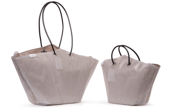 PLASTICITY、ペットボトルの再生繊維を使用した トートバッグのベージュモデルが登場