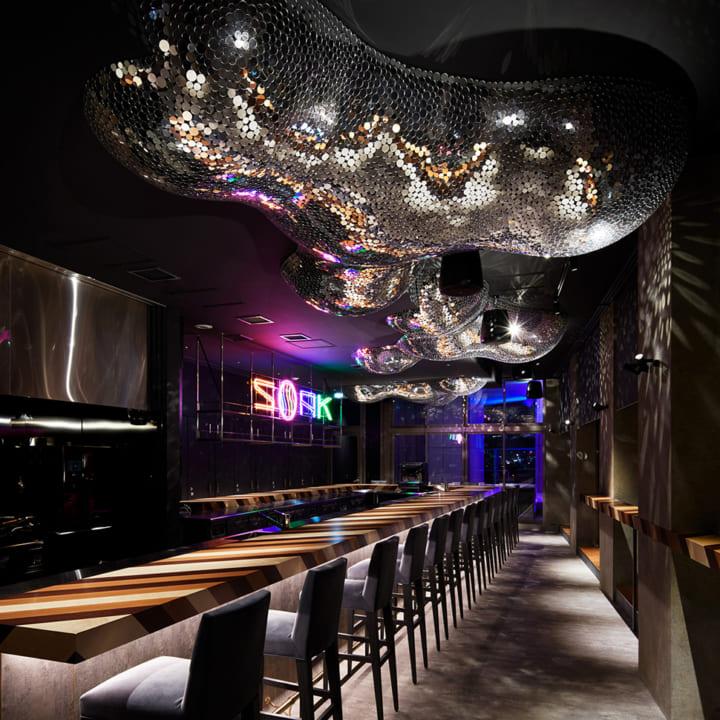 noizが手がけた sequence MIYASHITA PARK 最上階のエンターテインメントレストラン&バー「SOAK」