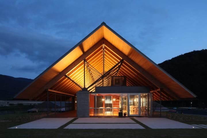 内藤廣建築設計事務所が設計を手がけた 「年縞」を展示・研究する「福井県年縞博物館」「年縞」を展示・研…