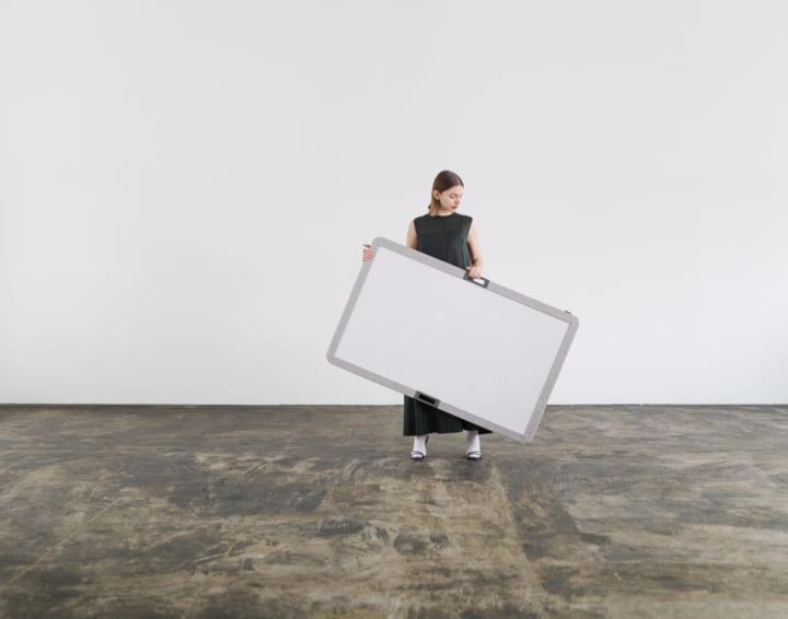 プロダクトブランド「201˚」が手がけた 持ち運びができるホワイトボード「ONIT」
