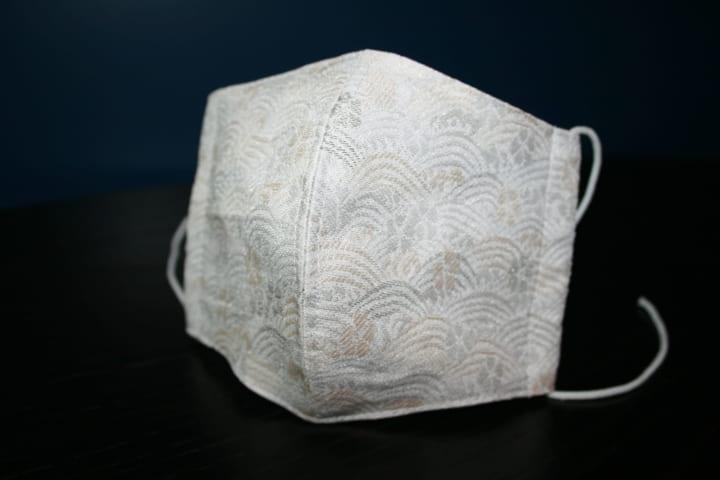 三井化学と尾池工業の技術で開発した 銅合金抗菌糸の「西陣織マスク」