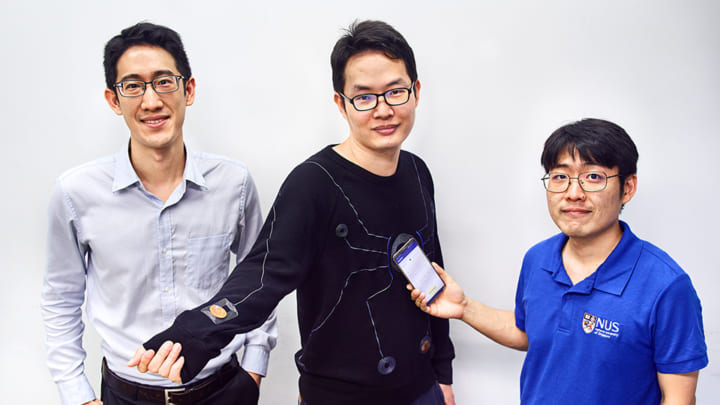 スマートフォンで全身の生理データを測定できる シンガポール国立大学が開発したスマートウェア