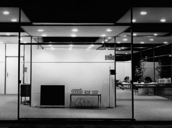 ディーター・ラムスが1950~60年代に手がけたブラウンとヴィツゥのデザイン展 「LESS BUT BETTER ディータ…