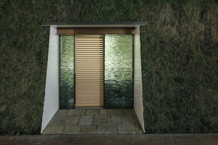 杉本博司と榊田倫之による 新素材研究所が手がけた 白井屋ホテルの特別個室「真茶亭」