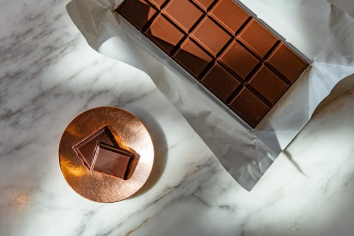 INTERSECT BY LEXUS – TOKYOにチョコレート技師 蕪木と デザイン会社SyuRoによるチョコレートセットが登場