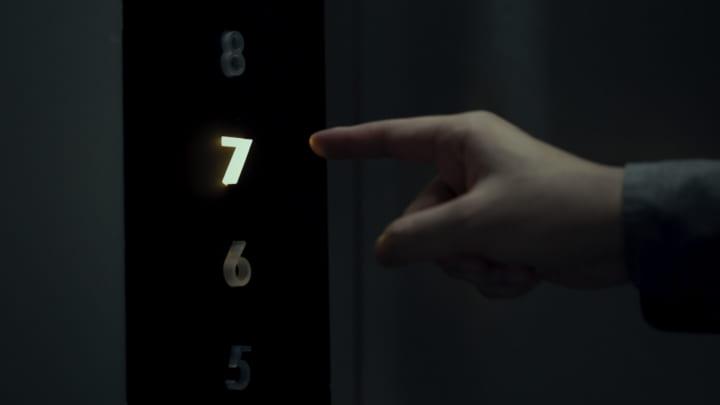 非接触ボタンに「押す」感覚を取り戻す デザインオフィス STUCKによる「Kinetic Touchless」