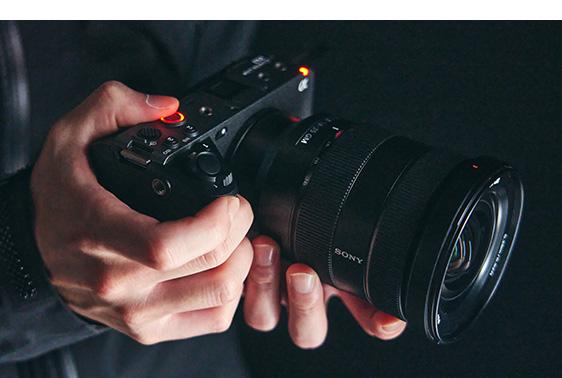 ソニー、Cinema Lineシリーズ最小・最軽量となる フルサイズセンサー搭載カメラ「FX3」を発表