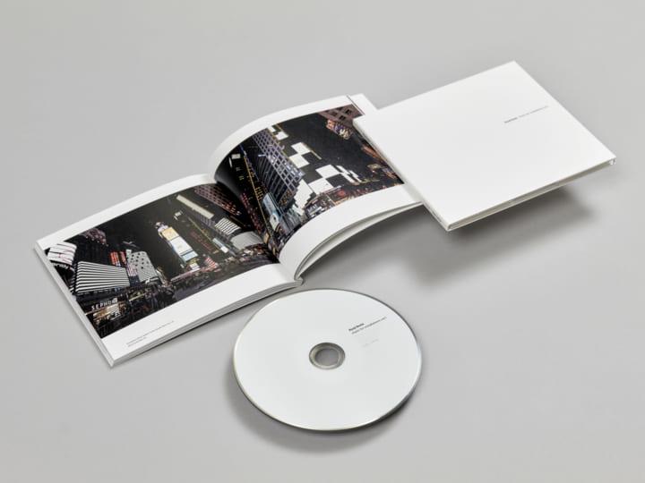 オーディオヴィジュアルインスタレーションの音源を集めた 池田亮司の「music for installations vol.1」