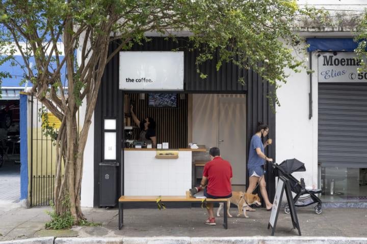 カタカナの店舗ロゴを掲げるブラジル発のカフェブランド 「ザ・コーヒー」が現地で急成長しているワケ