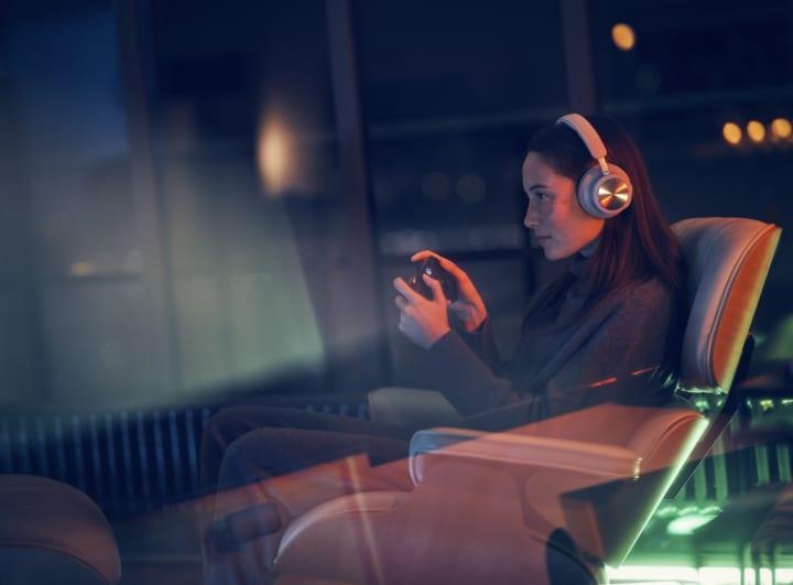 バング&オルフセン初のゲーミング向けの ワイヤレスヘッドフォン「Beoplay Portal」をリリース