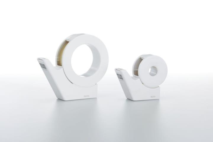 片手でサッと切れるnendoがデザインした コクヨの「GLOO テープカッター」小巻タイプ