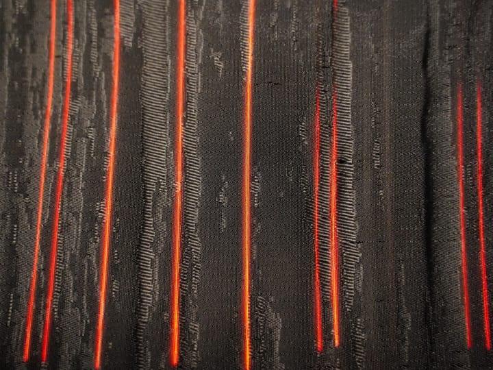 展示「Ambient Weaving ── 環境と織物」に 紙より薄い「iOLEDフィルム光源」を織り込んだ西陣織が公開