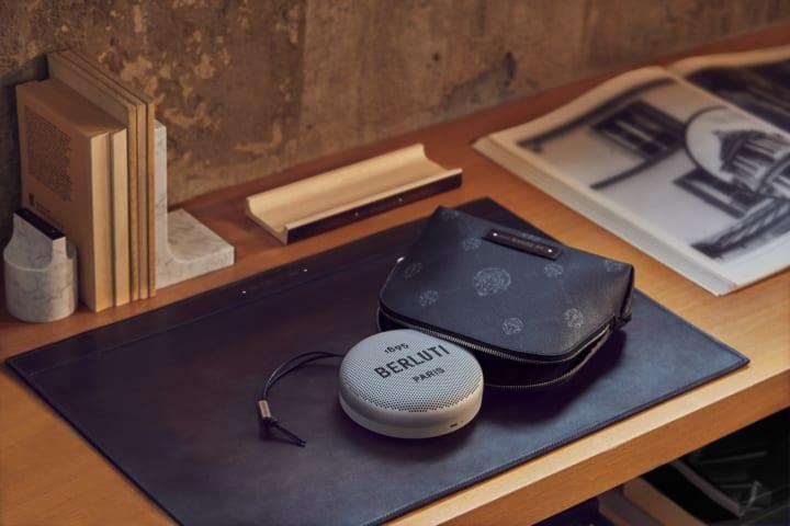 バング&オルフセンが紳士靴ブランド・ベルルッティと コラボした限定コレクションを発表
