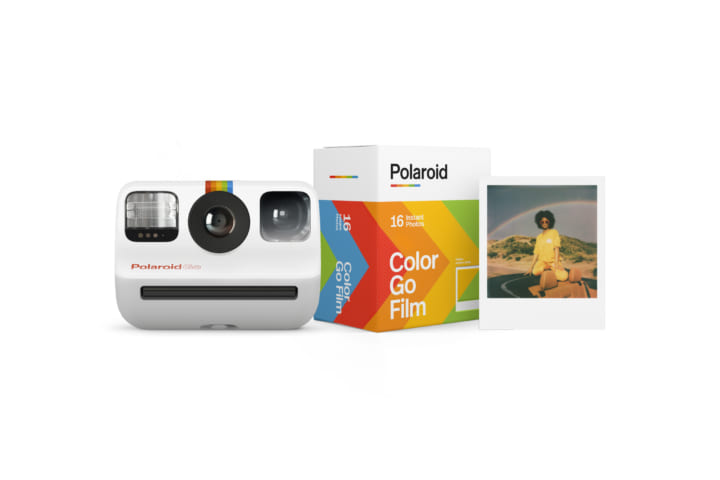 世界最小のアナログインスタントカメラ 「Polaroid Go」が日本に登場