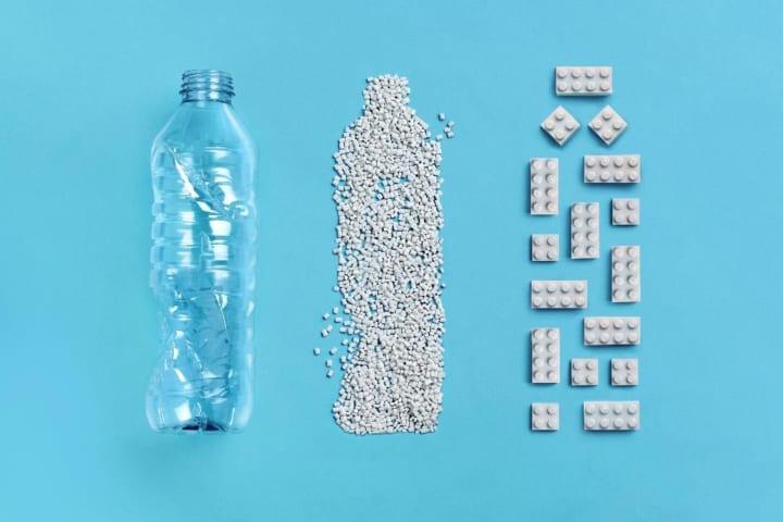 使用済みペットボトルを再利用した レゴ®ブロックの試作品が公開