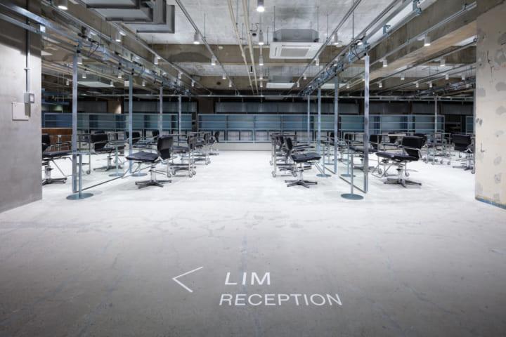 スキーマ建築計画が「Less Is More」を表現した ヘアサロン「LIM/loji」の店舗設計