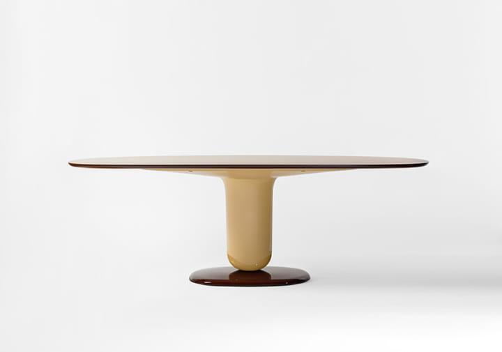 ジェリービーンズにインスパイヤされた スペインデザイナーハイメ・アジョンの「Explorer Dining Table」