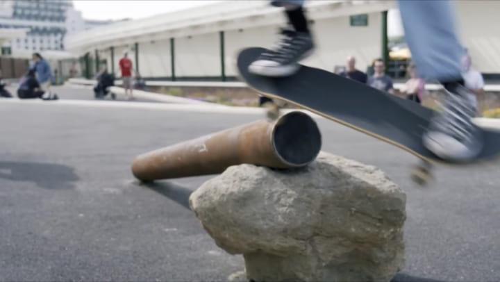 クリエイター集団アッセンブルが手がけた、スケートボーダーのための屋外スペース