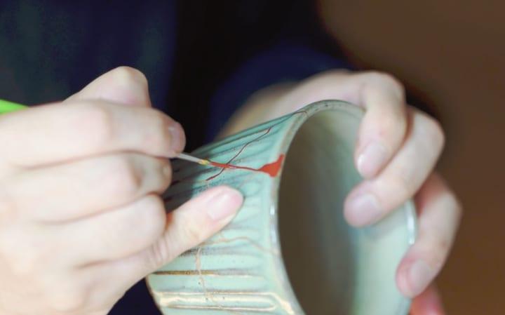 割れ・欠け・ヒビの入った陶器を蘇らせる 金継ぎブランド「つぐつぐ」とMUJI 新宿の再生サービス